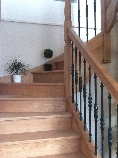 escalier menuiserie drouin. Black Bedroom Furniture Sets. Home Design Ideas
